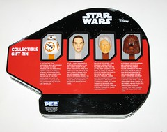 pez star wars millennium falcon collectable gift tin with 4 pez dispensors and candy the force awakens 2016 2017 b (tjparkside) Tags: pez star wars 2017 millennium falcon shaped shape collectable gift tin four 4 dispensers bb8 bb 8 astromech droid droids rey jakku scavenger smuggler han solo wookie warrior chewbacca bowcaster force awakens episode 7 vii seven tfa candy lolly lollies with dispensors 2016
