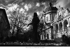 Ivan Fedorov (vasyl.rohan) Tags: lviv city architecture monument monochrom books