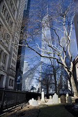St Paul's Chapel graveyard (knkppr) Tags: newyorkcity st pauls chapel graveyard oculus world trade center winter graves architecture