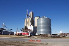 IMG_5729 (eslade4) Tags: crain grundycentercoop elevator heartlandcoop cementelevator woodelevator demolition