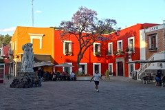 Enchanting (Chemose) Tags: mexico mexique puebla place square barriodelartisto hdr canon eos 7d mars march couleur colour
