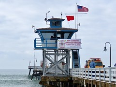 Lifeguards Wanted (Bennilover) Tags: sanclementepier california january lifeguards apply jobs swimming rescuing pier flags red danger