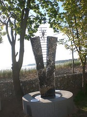 Statue Kunstwerk Mo-Art (mo_metalart) Tags: metallstatue himmelsstürmer skyclimber humorskulptur humorkunst schmiedekunst figürlichesschmieden kunstschmiede
