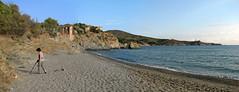 Le plaisir de chercher (maxguitare1) Tags: beack playa spiaggia méditerrannée chercheuse panorama baie mer mar sea plage côte paysage eau agua acqua water canon france