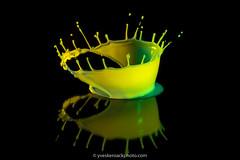 Splash! (Yves Kéroack) Tags: drop goutte jaune green colorful macro splash coloré motion lait liquide mouvement vert liquid yellow milk liquidart