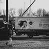 omg ... a man    l  2018 (weddelbrooklyn) Tags: street streetfotografie schwarzweiss einfarbig monochrom omg werbung frau schreien schrei nikon d5200 35mm streetphotography blackandwhite monochrome commercials woman schreaming scream glückstadt
