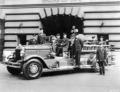 Cincinnati OH   Engine 3 (kyfireenginephoto) Tags: downtown oh 7th sycamore mack pumper 1933 mtadams cellar nozzle rotoray otr pendleton mohawk cfd hamilton county ohio bowtie