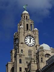 Royal Liver Building, Liverpool, England (teresue) Tags: uk england liverpool merseyside 2017 royalliverbuilding clock publicclock liverbird
