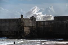 Forte S. Julião da Barra - Carcavelos1 (teylorbruno) Tags: surf mar wave ondas azul forte carcavelos portugal lisboa cascais marés vivas maresvivas nikon d7000 nikond7000 agameoftones fortesjuliaodabarra