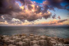 tarde de nubes (josmanmelilla) Tags: melilla nubes cielo atardecer pwmelilla flickphotowalk pwdmelilla pwdemelilla sony mar agua