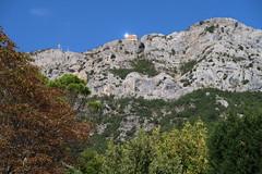 Albania - Kruja (Bogdan J.S.) Tags: europa europe albania shqipëria kruja góry mountains krajobraz landscape niebo sky skały rocks cliff urwisko bałkany balkans