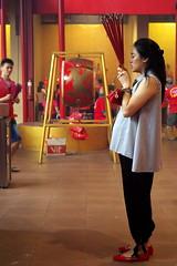 EPSN3177 (nSeika) Tags: chinesenewyear cny2018 jakarta petaksembilan pregnant pray incensestick