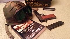 20150303_224219 (Corsario Albiceleste) Tags: malvinas armada ejercito militaria pistola arma helmet casco municion militar woodland handgun reenactment