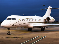 FAI rent-a-jet   Bombardier BD-700-1A10 Global Express   D-AFAU (FlyingAnts) Tags: fai rentajet bombardier bd7001a10 global express dafau fairentajet bombardierbd7001a10globalexpress ifa airlivery norwichairport norwich nwi egsh canon canon550d