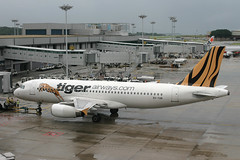 9V-TAB, Singapore Changi, August 18th 2005 (Southsea_Matt) Tags: 9vtab airbus a320232 msn2195 tigerairways singapore changi wsss sin august 2005 summer aircraft aviation airplane aeroplane plane jet jetplane publictransport passengertravel twin narrowbody ramp apron