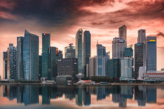 Sunset at Marina Bay - Singapore (ME Photography (Moritz Escher)) Tags: singapore singapur sunset sonnenuntergang skyline spiegelung reflection reflektion canon asien asia hochhaus skyscraper photography fotografie travel reisen wasser water sky skyporn supershot architecture architektur