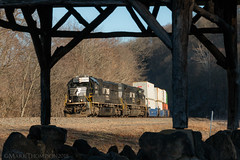 Spartan At Lower Bailey (marko138) Tags: 23m cr2577 emd lowerbailey ns2577 newport norfolksouthern pt131 perrycounty pittsburghline sd70 exconrail intermodal locomotive middledivision pennsylvania railfan railroad railroadphotography spartancab standardcab train waterwell winter