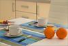 colazione per due (FedericoPatti) Tags: arredo arance tavolo tazze posate colazione tè colori colors canon 6d canoniani stilllife cucchiai coperto frutta bustine 2014