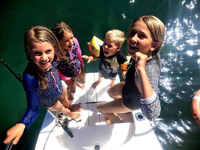 020/365 • some of my favourite kids ever • . #yamba #whitingbeach #10yo #7yo #6yo #4yo #friends #love #swim #outdoorfamilies #northernnsw #visitnsw #abcmyphoto #bellalunaboat #cruising #Summer2018 #eastcoastaustralia #clarenceriver @blissfullybelle