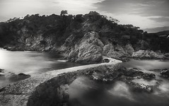 Cala Canyet (Ramirez de Gea) Tags: blancoynegro blackwhite marinas tokinaaf1224mmf4 puente