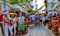 Ibiza, busy afternoon streetlife (gerard eder) Tags: world reise travel viajes europa europe españa spain spanien städte street stadtlandschaft streetlife city ciudades cityscape cityview baleares ibiza paisajes panorama people peopleoftheworld outdoor oldcity