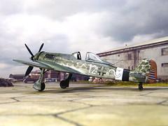 "1:72 Focke Wulf Ta 152J-2; ""Weisse Zwölf"" (12+~ White) of the 10./JG26 der Deutschen Luftwaffe, piloted by Hauptmann Wernher Suhrbier; Flensburg, early 1946 (modified Mistercraft Fw 190 kit) (dizzyfugu) Tags: 172 model kit mastercraft mistercraft fw190 focke wulf fw 190 tank ta152 ta 152 jumo 222 jumo222 junkers inline engine luft46 luft 46 1946 luftwaffe project paper plane aircraft fighter interceptor modellbau whatif whif dizzyfugu conversion fictional aviation"