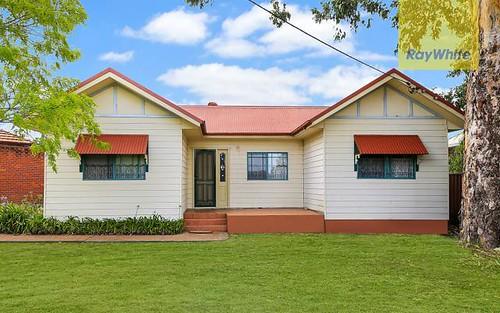 4 Highland Av, Toongabbie NSW 2146