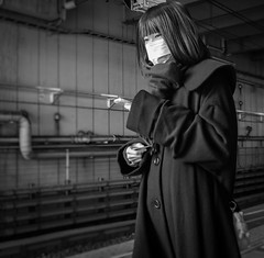 Mysterious Girl (Bill Morgan) Tags: fujifilm fuji x100f bw tokyo mitaka station lightroomclassic alienskinexposurex3 luminar2018