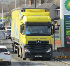 W Howard group P12 MDF at Newtown (joshhowells27) Tags: lorry mercedes mercedesbenz actros whoward curtainsider mdf