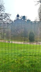 136-Paris décembre 2017 - Pelouse au repos dans le Parc des Buttes-Chaum0nt (paspog) Tags: paris france décembre 2017 parc butteschaumont parcdesbutteschaumont park