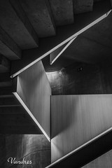 ZGZ201606_405R-BYN_FLK (Valentin Andres) Tags: bw blackwhite blancoynegro byn caixaforum españa spain stairs white zaragoza black blackandwhite escalera