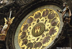 Prague's astronomical clock (Nicolay Abril) Tags: praga praha prag prague prága česko českárepublika républiquetchèque tchéquie repúblicacheca chequia czechrepublic czechia csehország csehköztársaság tschechien tschechischerepublik