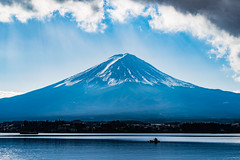 Mt. Fuji / Fujiyama / 富士山 (hiroshiken) Tags: 20171215 kawaguchiko 河口湖 mountain fuji fujiyama kitahamaso 北濱莊前 north