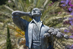 Statue of Biznaguero, Jardines de Pedro Luis Alonso, Malaga, Andalusia, Spain (rmk2112rmk) Tags: statueofbiznaguero jardinesdepedroluisalonso malaga biznaguero statue park dof bokeh