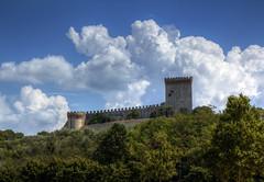 Il Castello del Leone - Lion's Castle (Roberto Marinoni) Tags: castiglionedellago fortezza fortress castello castle castellodelleone lagotrasimeno trasimenolake bellitalia