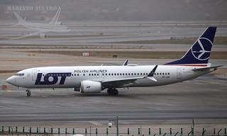 737-8Max