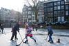 amsterdam keizergracht (hansfoto) Tags: amsterdam canal ice schaatsen iceskating keizersgracht ijshockey