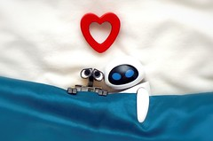 Love Is In The Air (Skyline:)) Tags: smileonsaturday heartshaped walle eve heart love valentines 7dwf