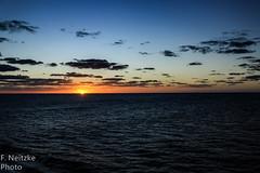 3 Sunset (fneitzke) Tags: portfolio canont5eos1200d canon canont5 january janvrier janeiro summer été verão américadosul americadelsur ameriquelatine latinoamérica latinamerica américalatina oceano ocean mar sea mer oceanoatlântico atlantic atlanticocean sunset pôrdosol coucherdusoleil puestadesol nature natureza naturaleza contrast contraste seascape
