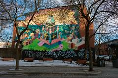 Rue Duluth (StephV909) Tags: cstéphanevaillancourt montréal architecture streetphoto streetphotography svstephanevaillancourtcom bancs streetart graffiti graffitti trees colors colorful