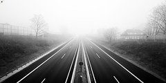 12012018_a52_0019_mL (speschlphotography_art) Tags: drive fahren strase autobahn highway freeway a52 nebel fog weite dunst bw sw 2018 030218a