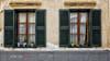 (104/18) Ventanas (Pablo Arias) Tags: pabloarias photoshop photomatix capturenxd españa edificio ventana flores tiestos ciutadella mneorca