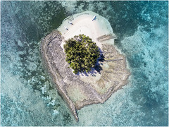 Guyam (www.bc3.photography) Tags: thephilippines philippines island aerial aerialphotography drone dji phantom4 ocean boats reef travel