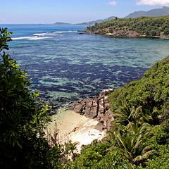 île Moyenne, Seychelles (pom'.) Tags: panasonicdmctz3 february 2008 seychelles africa island victoria îlemoyenne beach paradise indianocean ocean sea 200 300 palmtree 5000