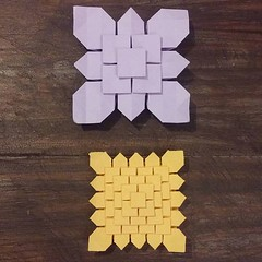 Tessellation clover 3-stage et 5-stage Design : Shuzo Fujimoto #origami #origamiart #papercraft #paper #paperart #craft #paperfolding #tessellation #origamitessellation #shuzofujimoto #clover #squaregrid (OrigamiInvasion) Tags: origami paperfolding papercraft paper craft