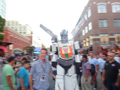 Wheeljack - blurry but still cool (Sconderson Cosplay) Tags: comic con san diego sdcc 2016 cosplay transformers wheeljack