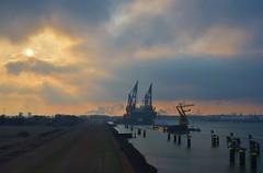 Thialf en Aeolus (Hugo Sluimer) Tags: heerema portofrotterdam port haven vanoord onzehaven nlrtm landtongrozenburg zuidholland holland nederland