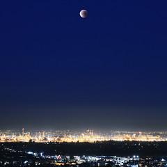 Super Blue Blood Moon (Casey Lombardo) Tags: superbluebloodmoon moon supermoon bluemoon bloodmoon eclipse lunareclipse signalhill signalhillca longbeach longbeachca losangelesca nightphotography citylights lights