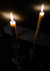 Stilla tyst och ljusen som enda ljuskälla (My Photolifestyle) Tags: ljus fotosondag fs180211 ljuskalla ljuskälla