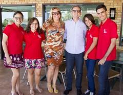 Alunos aprovados na ESEM com a presidente do Sindivarejo Caicó, Ildica Vale, e o presidente do Sistema Fecomércio RN, Marcelo Queiroz